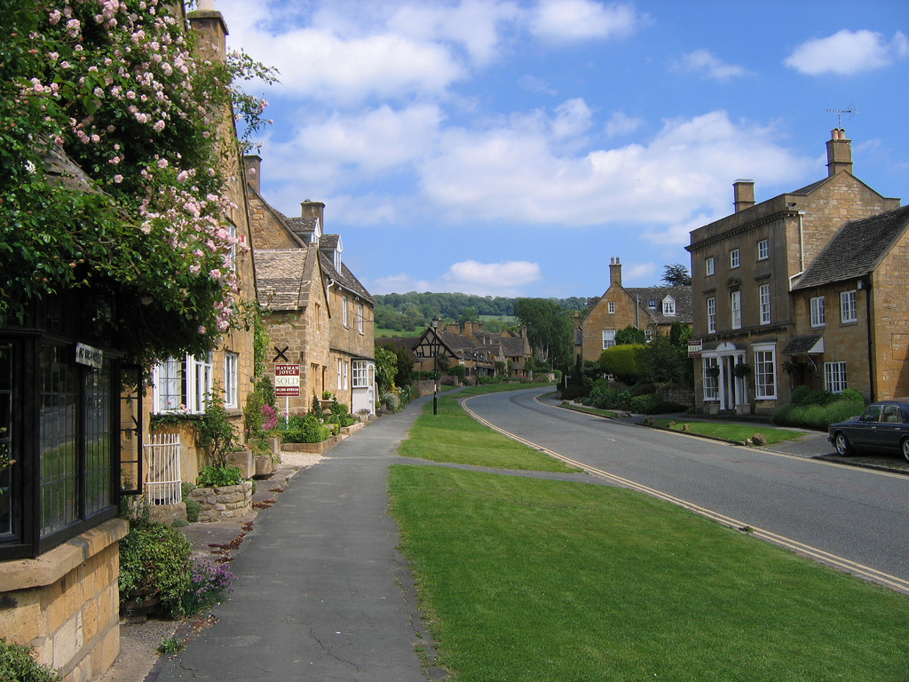 Bed and Breakfast Cotswolds Guide